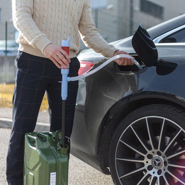 črpanje goriva iz avta